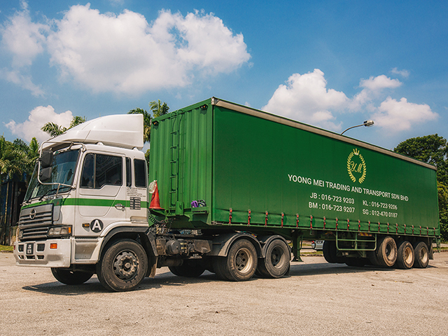 Yoong Mei 40 Footer(35ton) Side Curtain Lorry